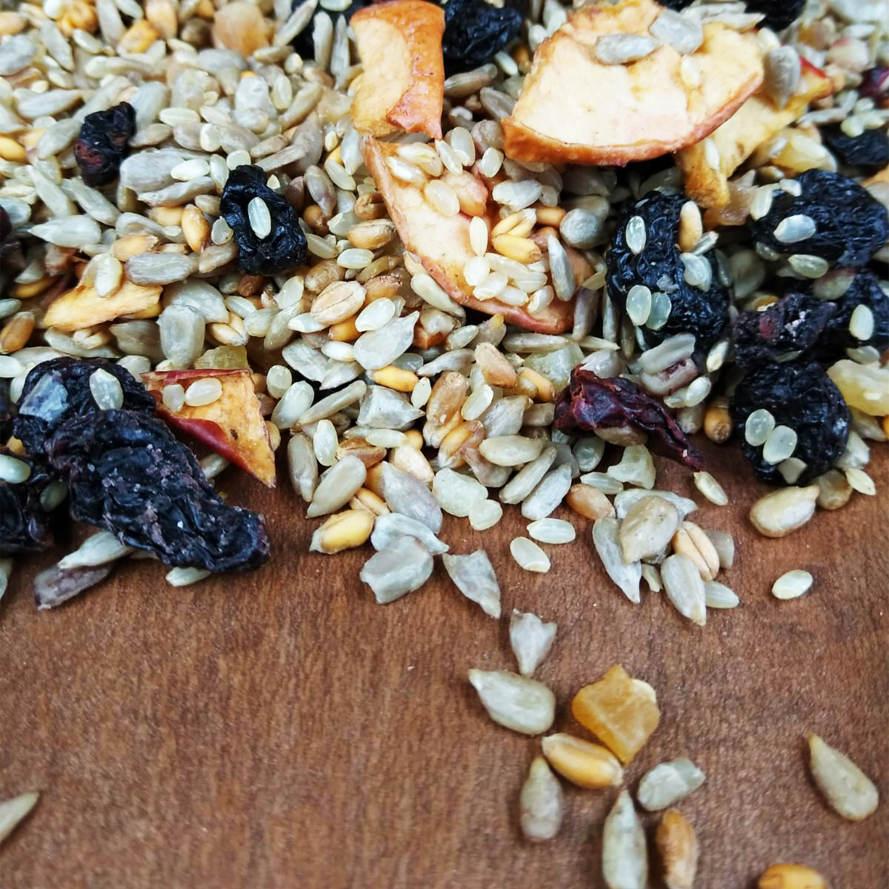 Kochfutter für Papageien und Großsittiche mit Reis, Früchten und Beeren